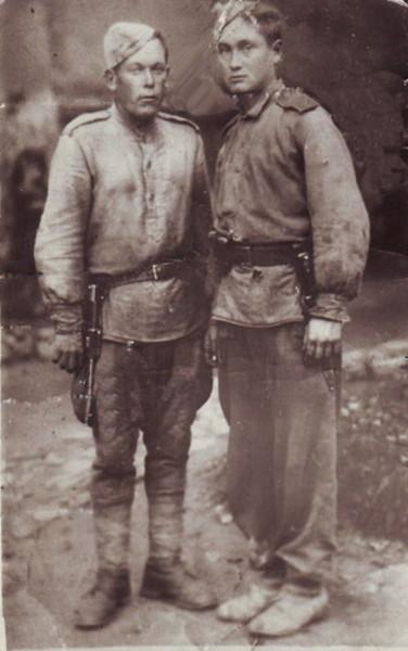 Два бойца ...