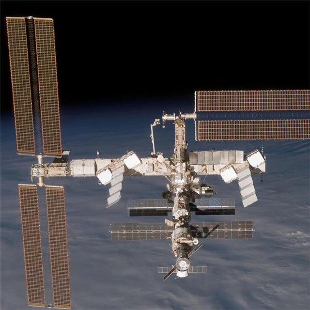 053. Международная космическая станция