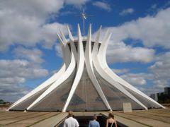 28. Cathedral of Brasilia (Catedral Metropolitana Nossa Senhora Aparecida) - католический кафедральный собор в столице Бразилии.jpg