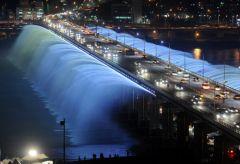 41. Мост Banpo в Сеуле, Южная Корея.jpg
