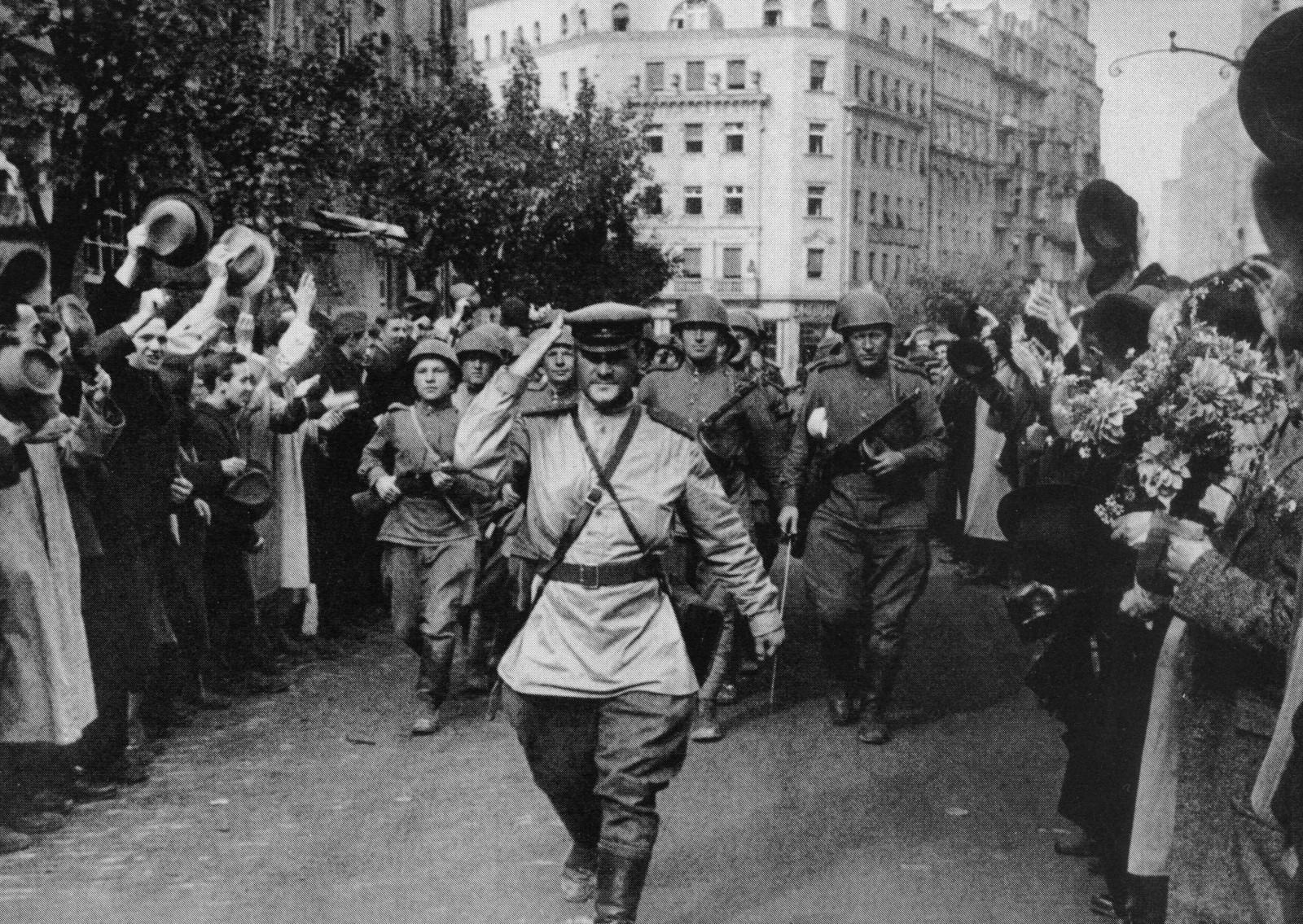 Антология советской фотографии: 1941 – 1945 (часть вторая)