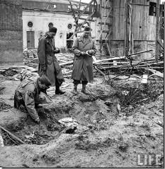fuhrerbunker hitler bunkewr berlin 1945 001