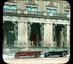 Эрмитаж Здание Нового Эрмитажа портик с атлантами (музей построен по проекту архитектора Лео фон Кленце в 1842—1851 годах)