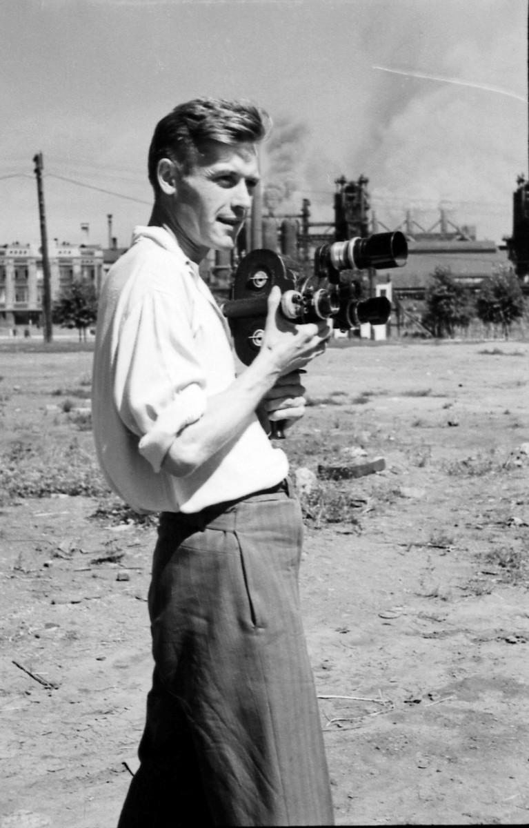 34. Валерий Булычев после войны на фоне КМК - 2
