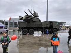"""Самоходный зенитный ракетно-пушечный комплекс """"Панцирь-С1"""""""