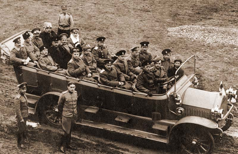 Автобусы на службе Вооруженных сил Российской империи