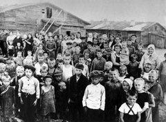 Дети в одном из финских концлагерей.