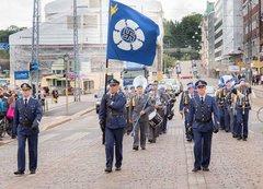 ВВС Финляндии избавятся от свастики.