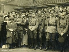 Офицеры Лейб-гвардии Семёновского полка перед отправкой на фронт, 1914 год